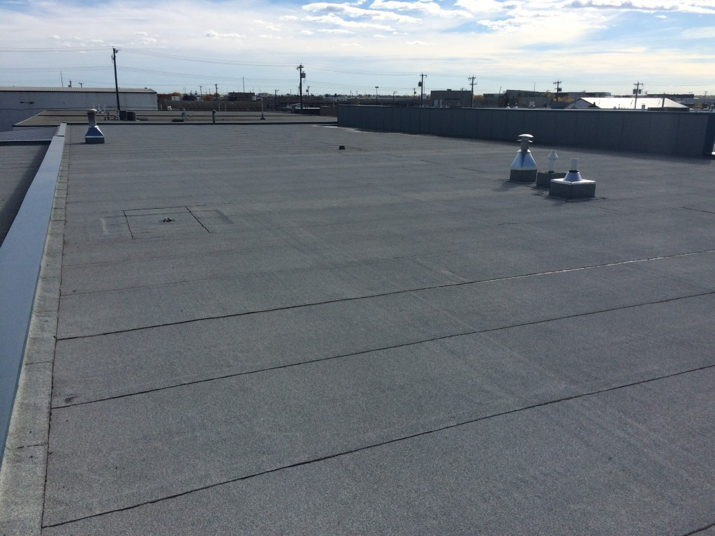 Commercial Roof Installation : Commercial flat roofing system installation